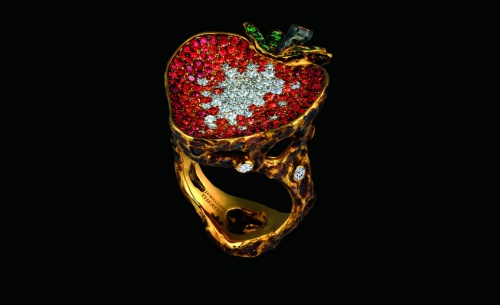 Russian-Jewellery-Theatre-Caravaggio-collection-strawberry-ring